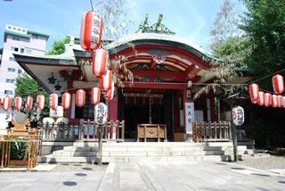 犬と行ける神社市谷亀岡八幡宮(東京都新宿区)
